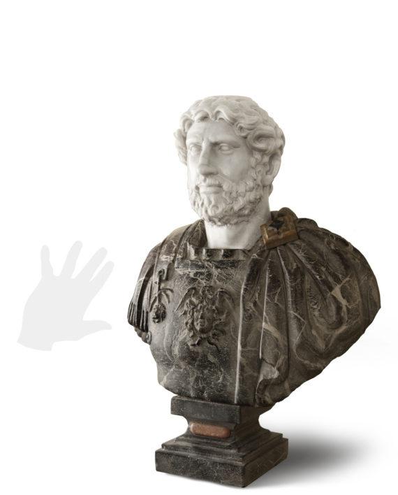 busto-imperatore-adriano-silhouette