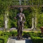 Pomona by Donatello Gabbrielli. Bronze sculpture for sale, Pietro Bazzanti Art Gallery, Florence, Italy