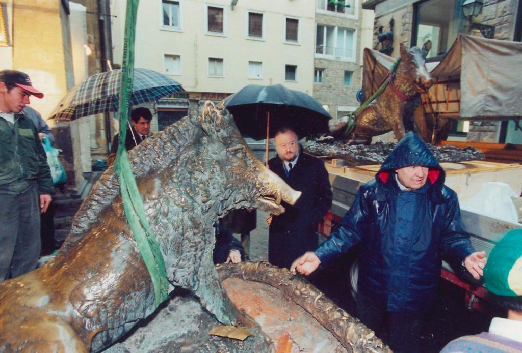 Sostituzione Porcellino ottocentesco con la replica Marinelli