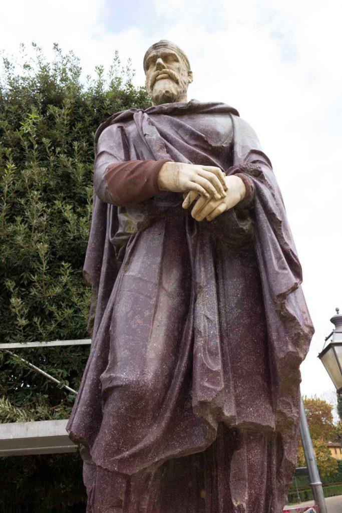 replica del dacio pileatus di boboli galleria bazzanti statua originale