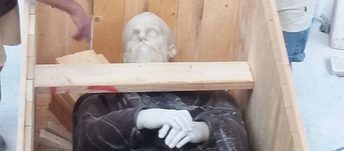 replica del dacio pileatus di boboli galleria bazzanti imballo della scultura