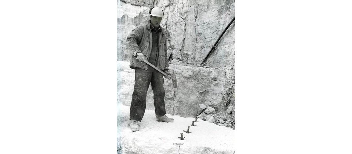 marmo-carrara-pietro-bazzanti-firenze-blocchi-marmo