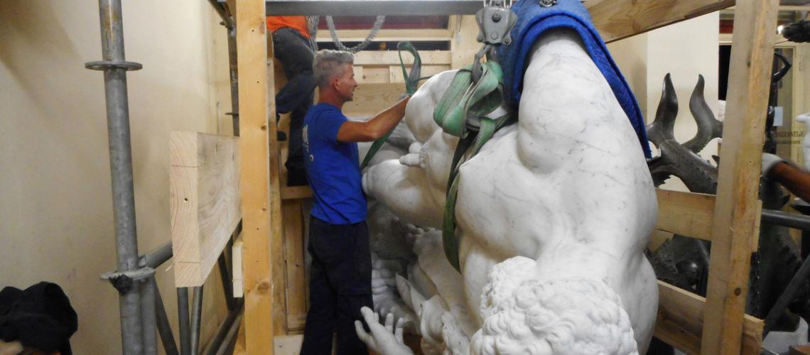 galleria bazzanti firenze replica scultura ercole farnese marmo carrara trasporto