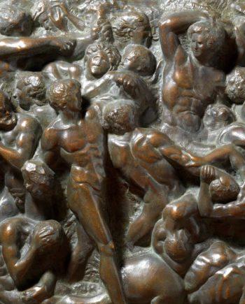 scultura in bronzo altorilievo battaglia dei centauri di michelangelo replica in bronzo da modello originale eseguita dalla fonderia marinelli di firenze in vendita presso la galleria bazzanti di firenze