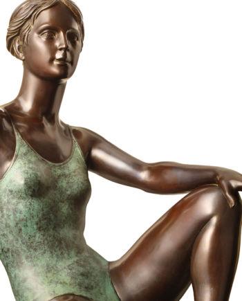 scultura in bronzo sotto il sole di sergio benvenuti in vendita presso la galleria bazzanti di firenze