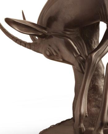 scultura in bronzo a tiratura limitata postuma gazzella all'albero di sirio tofanari fusa dalla fonderia artistica ferdinando marinelli in vendita presso la galleria bazzanti di firenze
